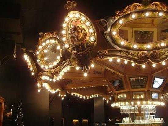Hotel Monteleone The Haunted Carousel Bar It Rotates