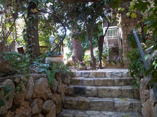 the beautiful courtyard 'lobby' of Pina Balev