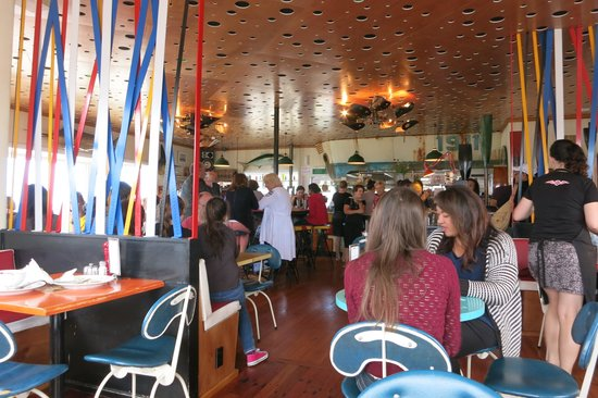 Maranui Surf Lifesaving Cafe: wonderfully decorated interior