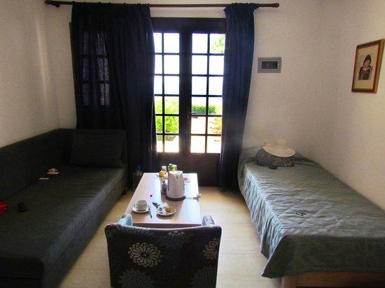 Elounda Ilion Hotel: Гостиная