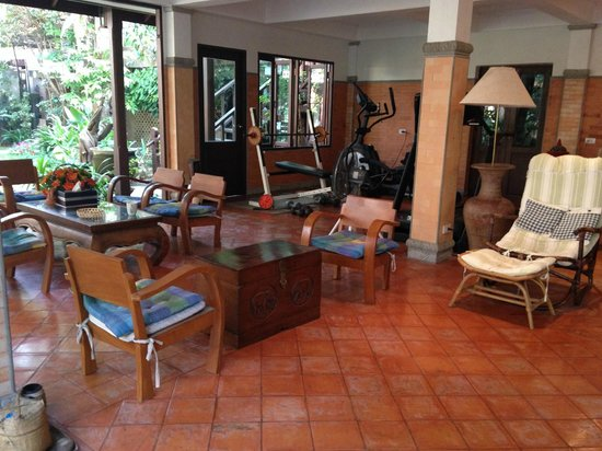 Santitham Guest House: Breakfast and Relaxing place - Garden