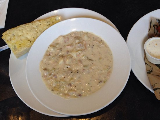 Seabolts Smokehouse: Clam chowder