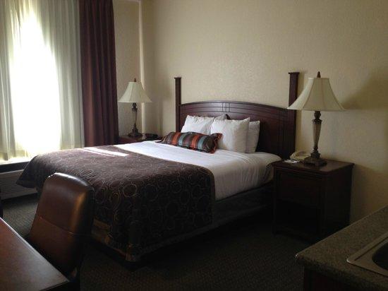 Staybridge Suites San Angelo: Room