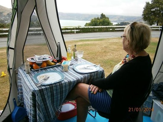Akaroa TOP 10 Holiday Park: Best view around!