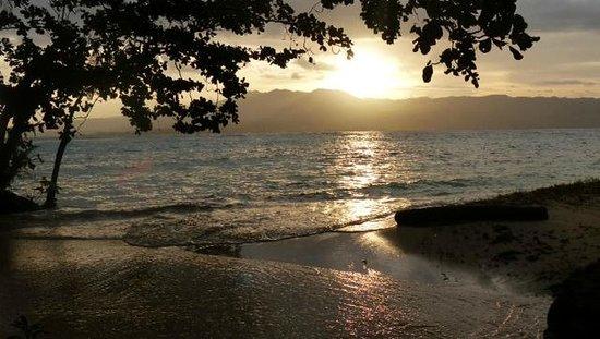 Qamea Resort And Spa Fiji : view from honeymoon bure Bulikula