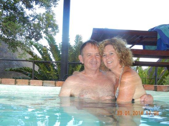 Mvubu River Lodge: Lovely and clean splash pool.