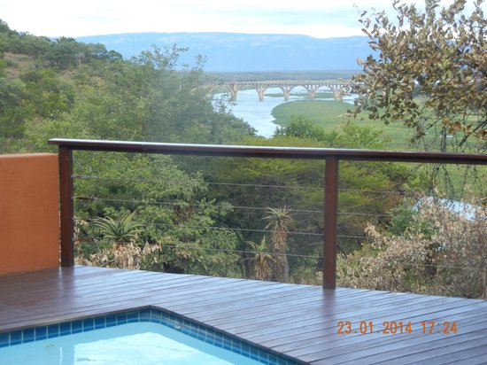 Mvubu River Lodge: The view from the spa.