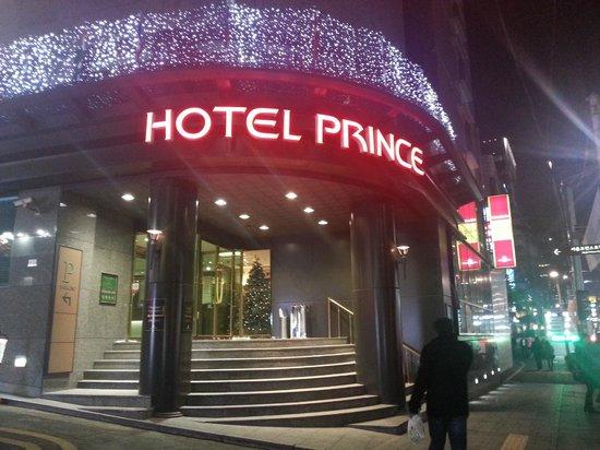 Prince Hotel Seoul: Hotel facade