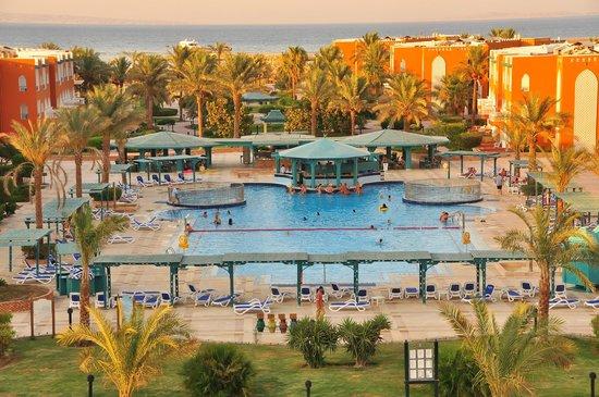 Sunrise Select Garden Beach Resort & Spa: overview