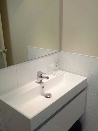 West Plaza Hotel: Bagno