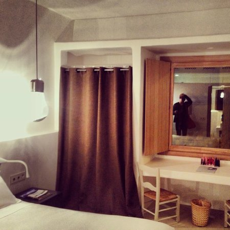 HM Balanguera: Twin Bed Room