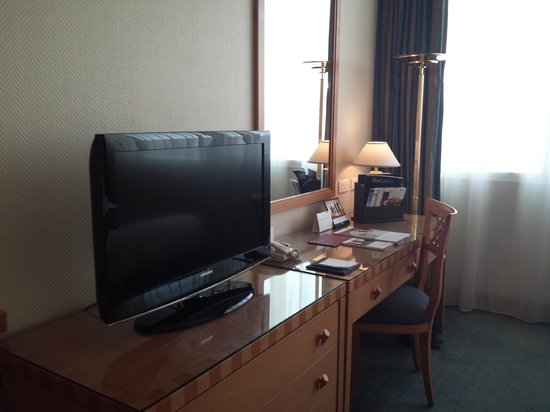 Al Maha Arjaan by Rotana Abu Dhabi: Our room