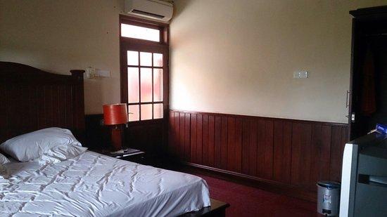 Hotel Puri Rai: Room interior