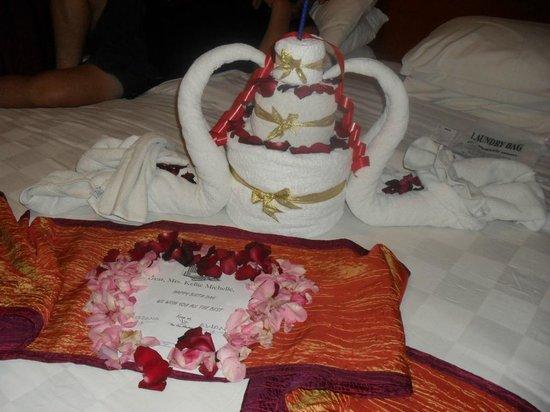 Bali Dynasty Resort : My birthday suprise Towel Origami