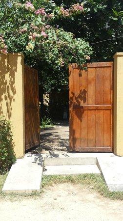 Tisara Villas: Tisara Gate
