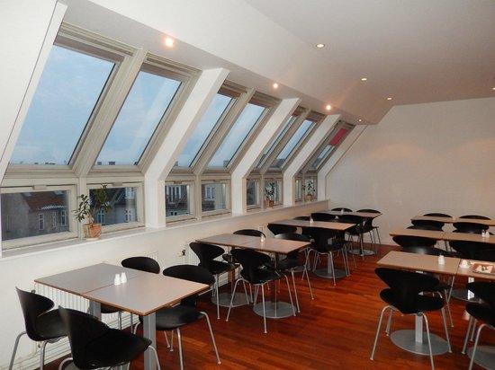 Copenhagen Crown Hotel : La salle du petit déjeuner