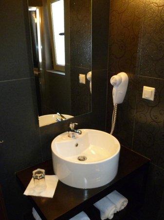 Aerinon Pension : bathroom