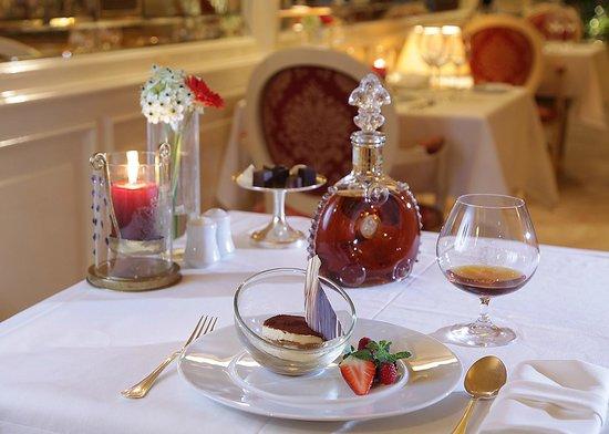 Aquarius Restaurant: Dessert Service