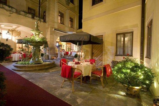 Aquarius Restaurant Summer Terrace
