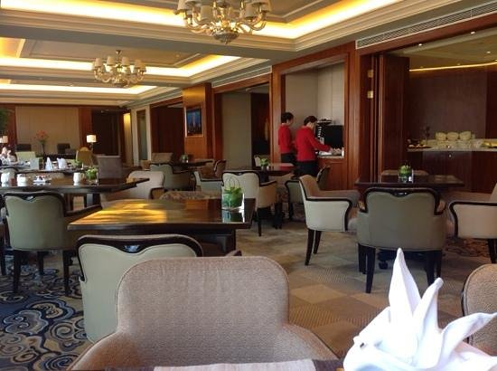 Shangri-La Hotel Guilin: horizon club lounge