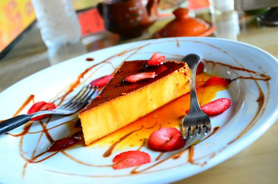 Pita Amore Isla Mujeres: Try the flan. It's worth it!