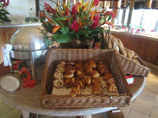 The St. Regis Bora Bora Resort : poor breakfast
