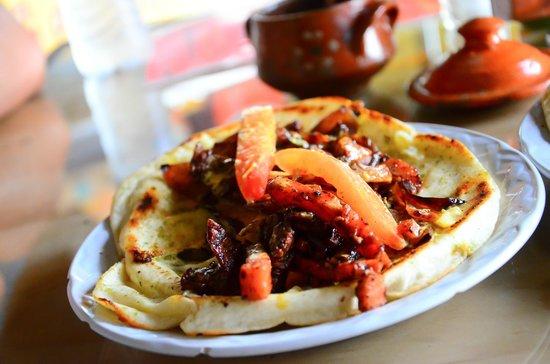 Pita Amore Isla Mujeres : Very delicious pita!