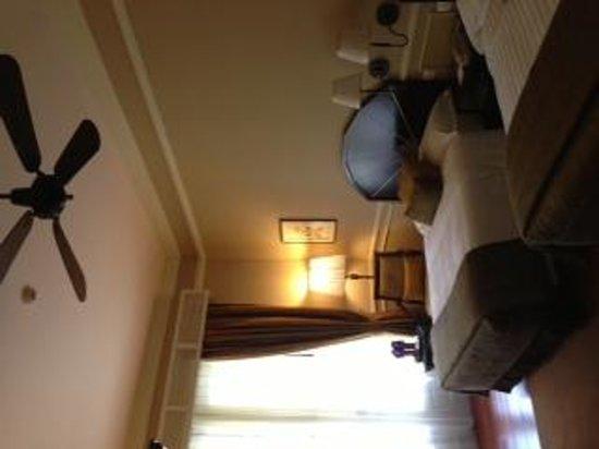 Raffles Hotel Le Royal: Our beautiful room