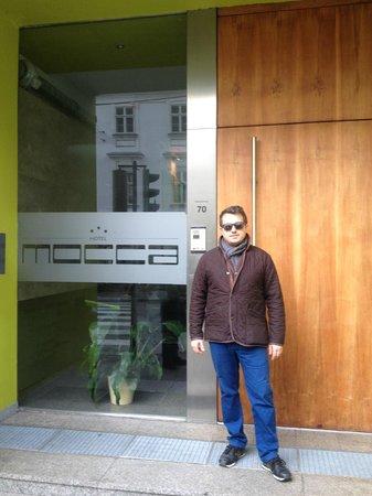 Hotel Mocca: Hotel entrance