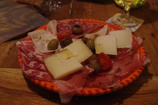 Osteria Santo Cielo: formaggi e salumi