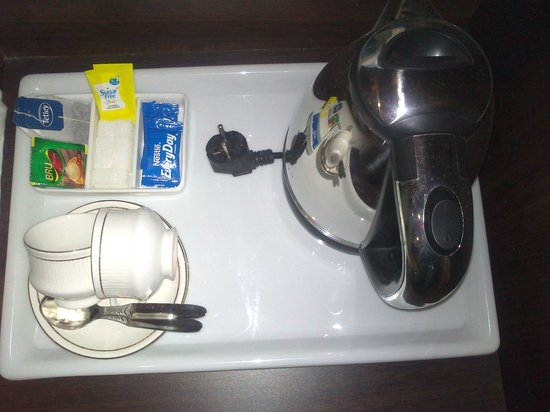 Hotel Waterfall: tea/coffee maker in rooms*