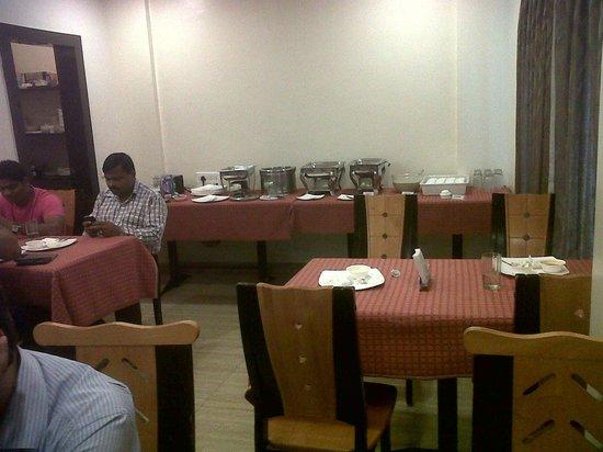Hotel Vaishnavi : Breakfast