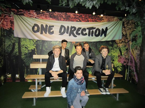 Madame Tussauds London: Picture with One Direction