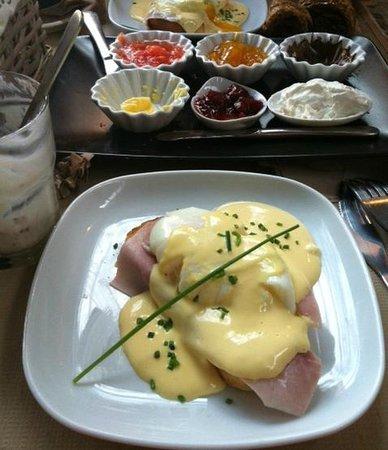 Baker & CO : Huevos benedict, hechos al momento y buenísimos