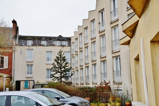 Timhotel Chartres Cathedrale : Timhotel Chartres Parking
