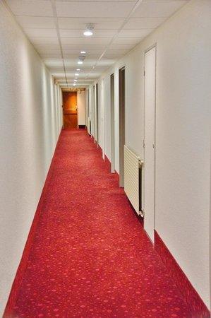 Timhotel Chartres Cathedrale : Timhotel Chartres Couloir