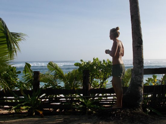 Bamboo Garden Bar and Lodging: Morning coffee & watching the waves out in front :)