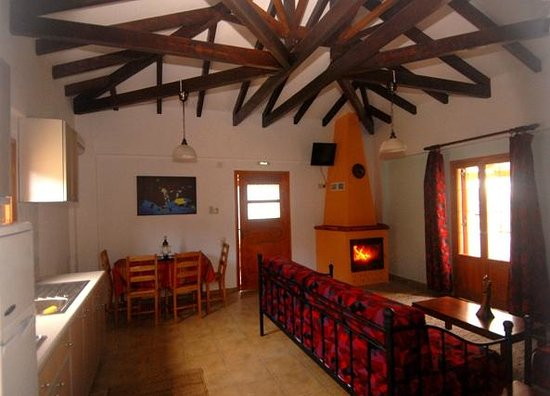 Mikro Xorio: 2room apartment -fully equipment kitchen