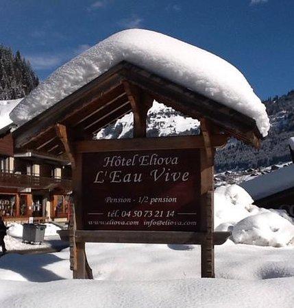 Hotel Eliova l'Eau Vive: Contact Information