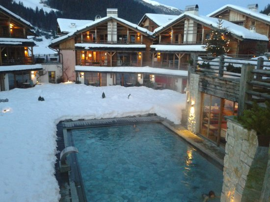 Post Alpina - Family Mountain Chalets: Piscina scoperta