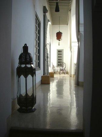 Riad Talaa 12: Couloir de notre suite