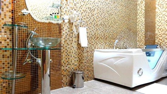 hotel amaritsah toutes les chambres disposent de salle de bains avec jacuzzi - Salle De Bain De Luxe Avec Jacuzzi
