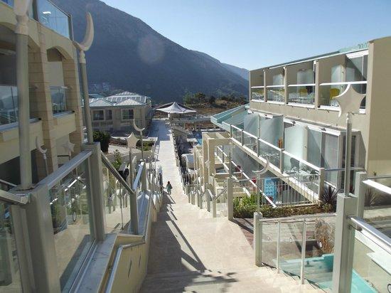 Orka Sunlife Hotel: The dreaded steps