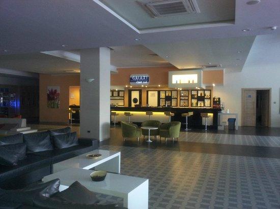Orka Sunlife Hotel: Bar area
