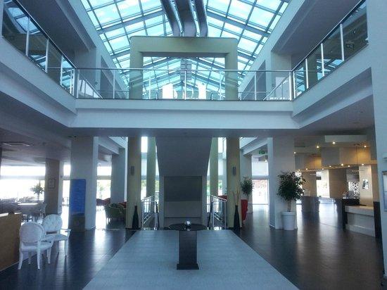 Orka Sunlife Hotel: Hotel lobby