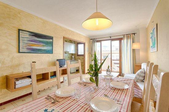 Apartamentos Estanques: Living Room