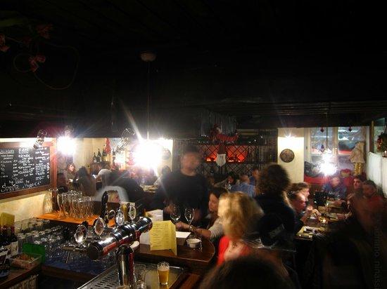 Osteria La Montanara: interno del locale
