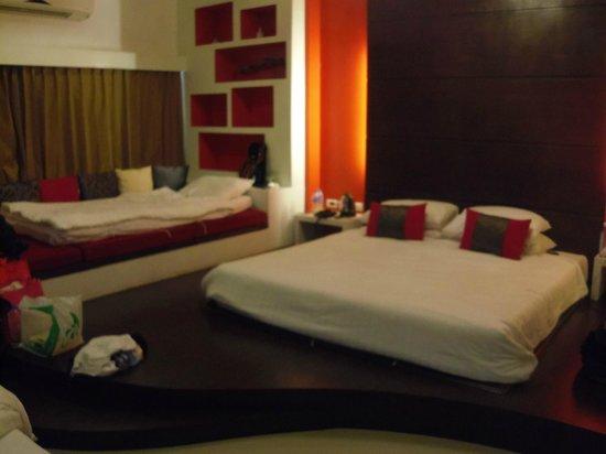 Alfresco Phuket Hotel: Bedroom design