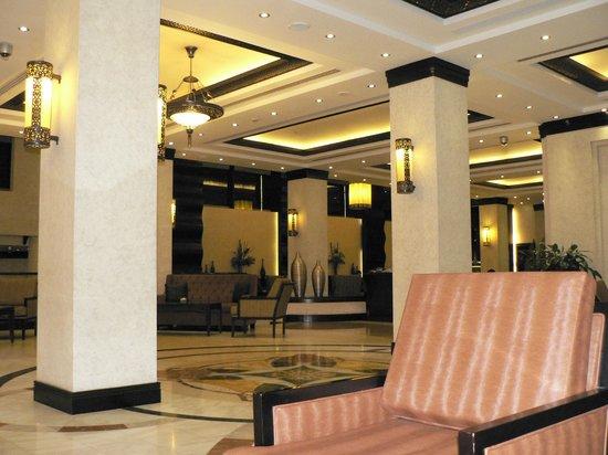Danat Al Ain Resort: Empfangshalle