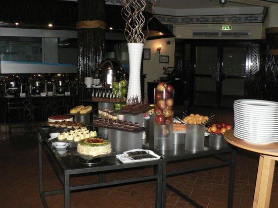 Danat Al Ain Resort: Abendbuffet